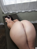 Sophie Dee came to shake her plump ass for our entertainment. Sophie has big natural looking fake tits and loves to shake them all over who ever is near.